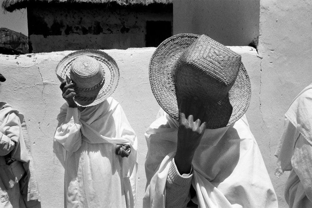 Série-Soatanana-Révérence-au-soleil Série-Soatanana-Révérence-au-soleil Pierrot Men Galerie 21