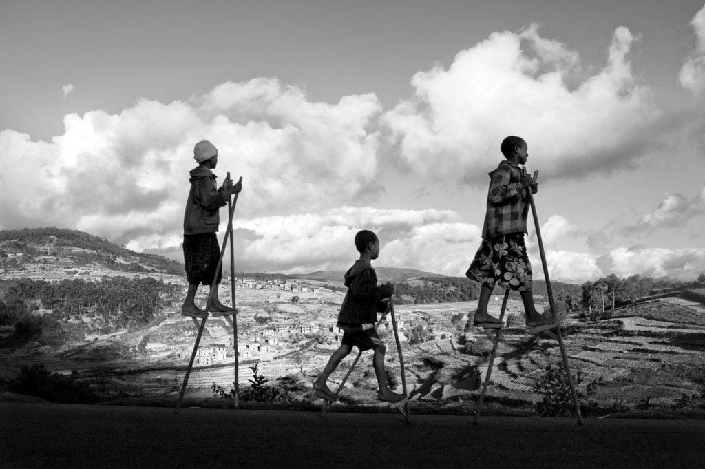 Série-Enfants-Enfants-bouviers-haut-perchés--Pierrot-Men-Galerie-21